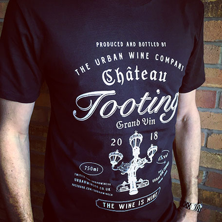 Men's Short-sleeved Chateau Tooting T-shirt (Black)